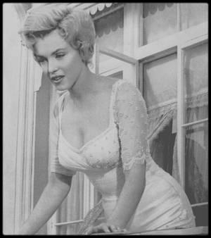 1956 / IDYLLE sur un plateau de tournage Londonien...