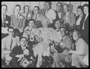 """Septembre 1952 / RARE Marilyn lors de son séjour à Atlantic City, notamment pour la promotion du film """"Monkey business"""", et de l'élection de Miss America."""