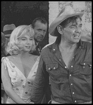 """1960 / Quelques nouvelles images de Marilyn lors du tournage du film """"The misfits""""."""