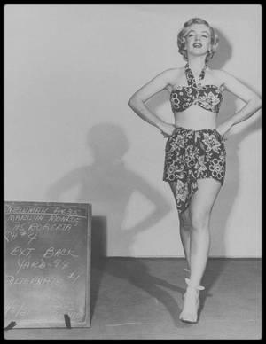 """1951 / ESSAIS COSTUMES pour le film """"Love nest""""."""