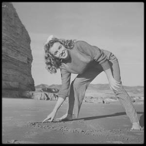 Décembre 1945 / Les RARES de Norma Jeane du photographe Andre DE DIENES.