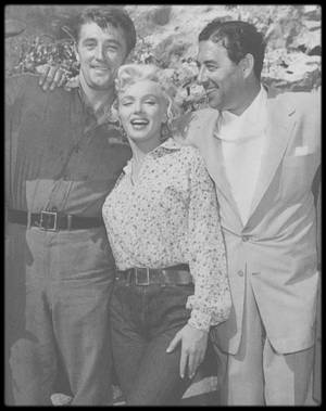 """1953 / On the set of """"River of no return""""."""