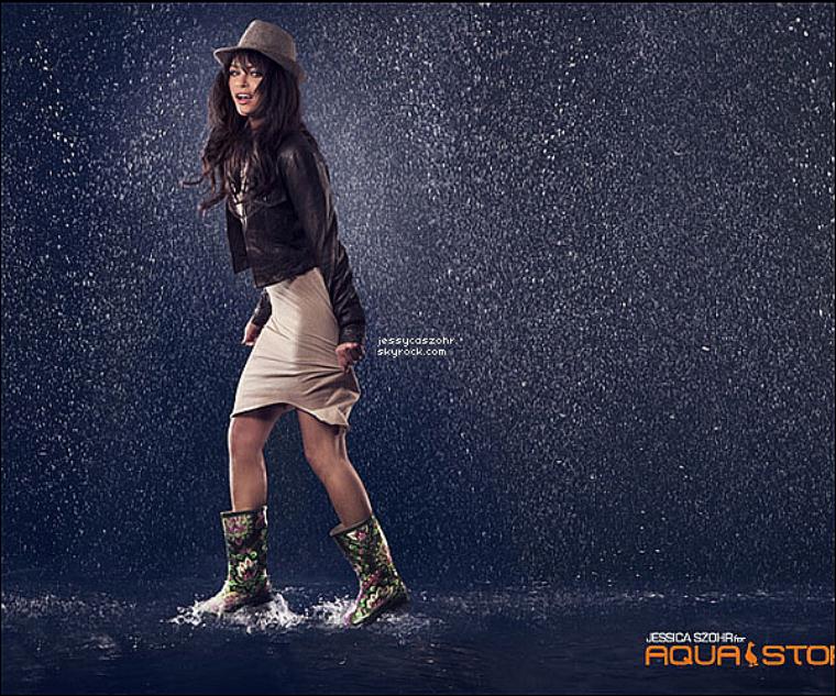 *+ 4 nouvelles photos du photoshoot de Jessica pour la marque de chaussures 'AQUA STOP' *