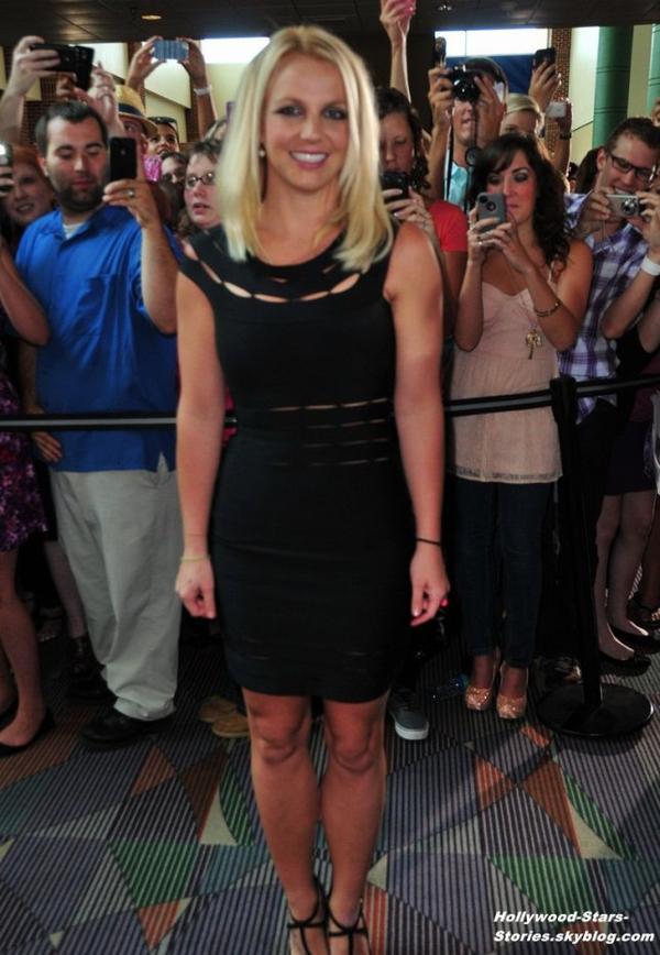 Britney Spears et Demi Lovato arrivants aux auditions de X Factor à à Greensboro, Caroline du Nord. Dimanche, 08 juillet