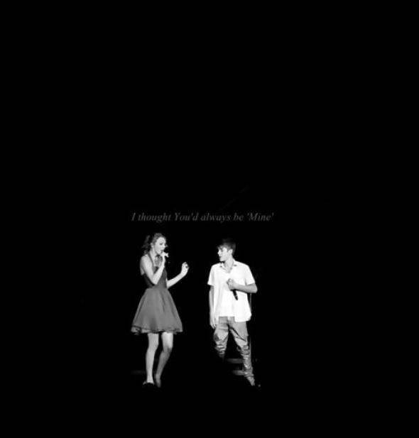 Taylor Swift et Justin performant sur Baby. Vous avez vu la vidéo ? Vous en pensez quoi ? Personnelement j'adore quand il la soulève, ça vend du rêve *.*