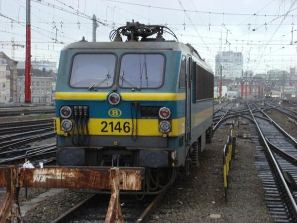 Loco électrique série 21 à la gare de Bruxelles midi