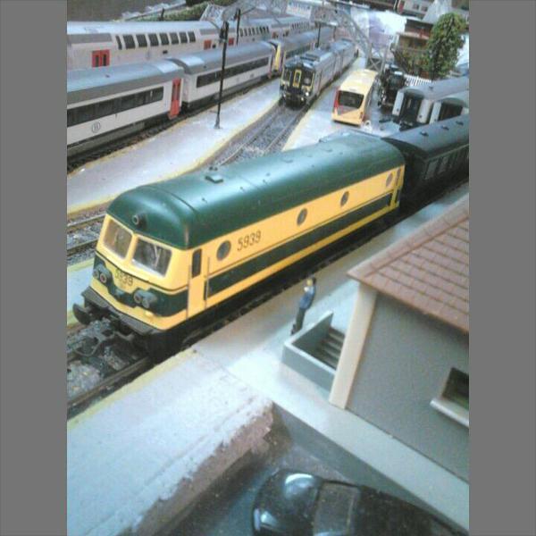 Locomotive Diesel Roco série 59 en livrée jaune-verte