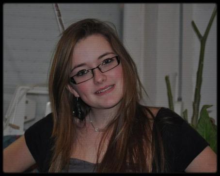 Priscillia - 17ans - En couple :D - & Heureuse !