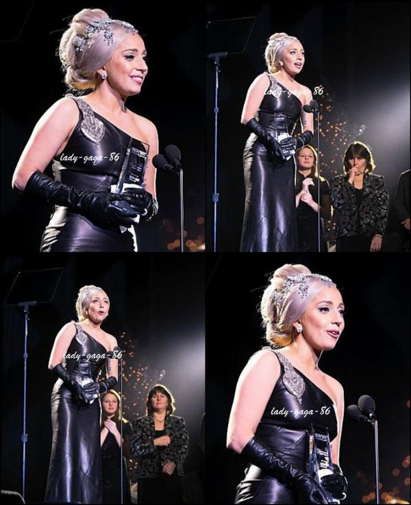 04/12/11 - Lady Gaga à la cérémonie des Trevor Project Hero Awards 2011.