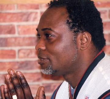 Ancien de l'Empire Bakuba, De Souza Santu lance un disque de quinze titres