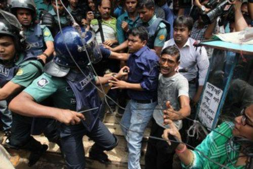 BANGLADESH : 1600 OUVRIERS EN GRÈVE POUR RÉCLAMER LE PAIEMENT DE LEURS SALAIRES