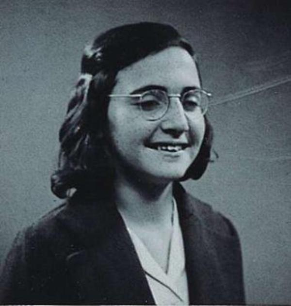 Anne Frank (2)    (7716)
