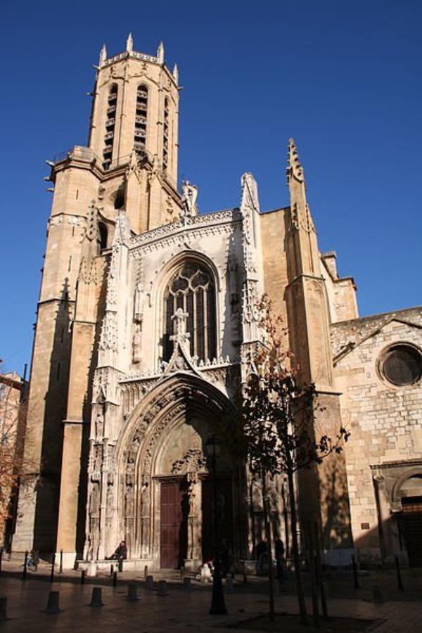 Des Cathédrales  (9648)