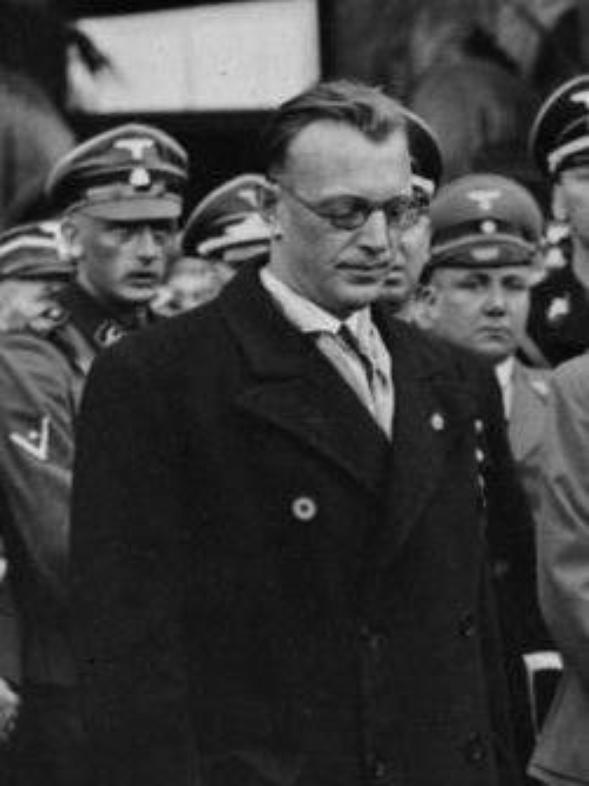 Des Criminels Nazis (10186)