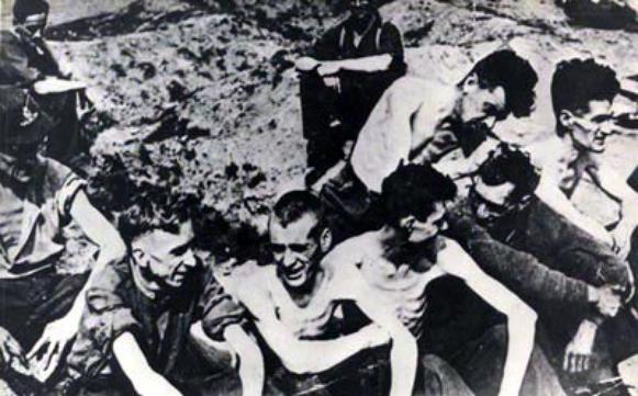 Des Camps de Concentration     (11467)
