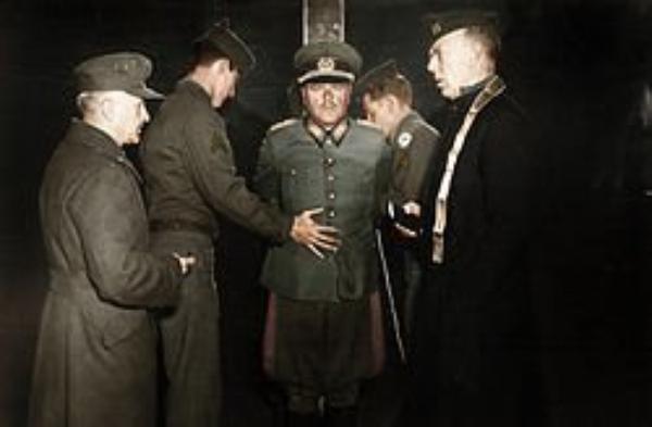 Criminel Nazi (6332)