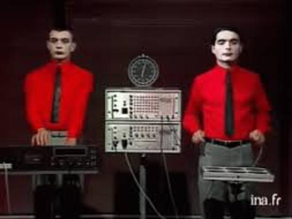 Musique Électronique   (12457)
