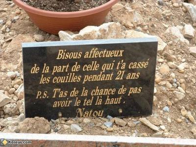 Dans le cimetière de l'A(hu)mour !
