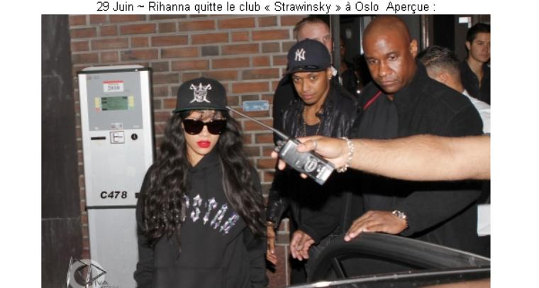Article 05 On Magazines-the-stars - Nicki minaj & rihanna News
