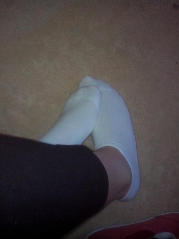 Partie 1 : les fameuses plantes de pieds de Thelulu28 en chaussettes  ;-)