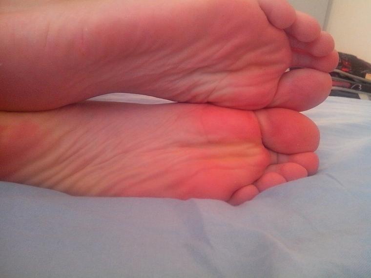 Partie 3 : les plantes de pieds de Thelulu28 enfin pieds nus =D