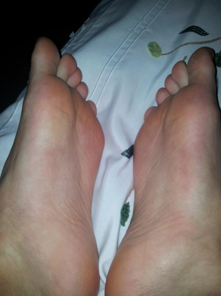 Quelques nouvelles photos de mes pieds !