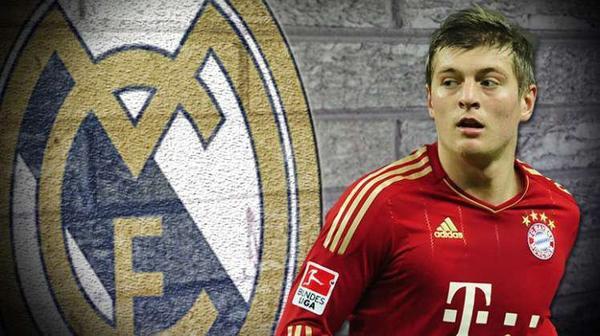 Le Real Madrid s'aurait sur la piste du milieu de terrain Toni Kroos qui joue au Bayern Munich