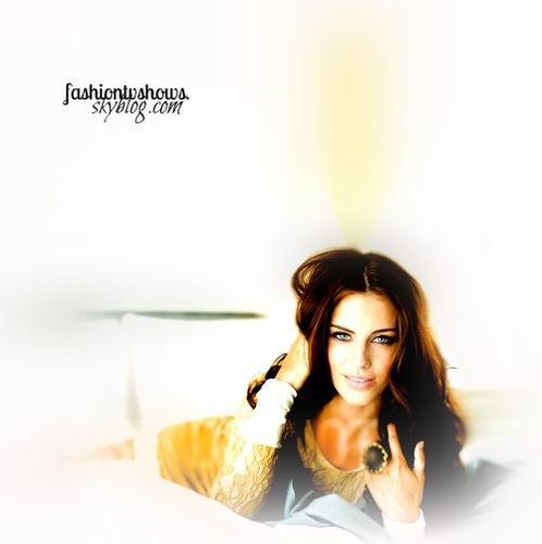 Jessica Lowndes .