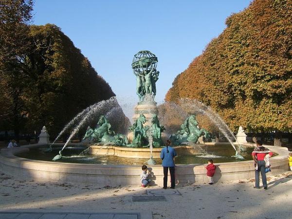 Les monuments de Paris _ _ Fontaine des Quatre-Parties-du-Monde