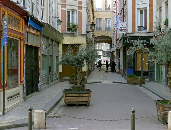 Les monuments de Paris _ _ Passage du Marché