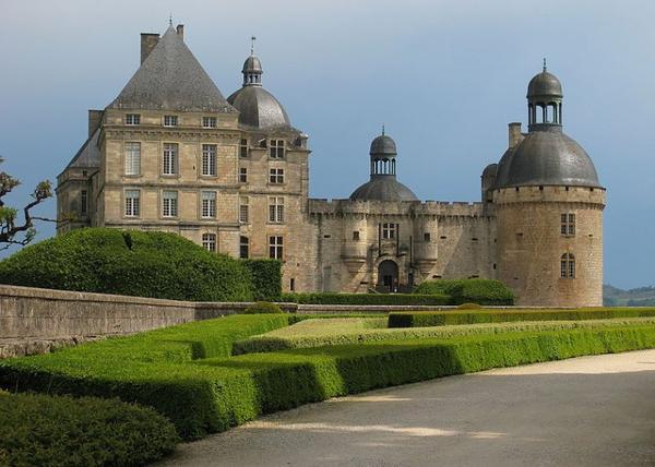 Châteaux et Palais _ _ Château de Hautefort