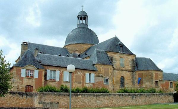 Musées de France _ _ Hôpital d'Hautefort ( musée de la Médecine)
