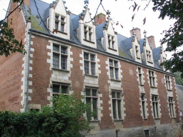 Châteaux et Palais _ _ Château de Plessis-lèz-Tours