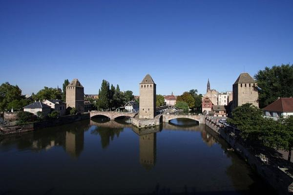 Ouvrage d'art Fluvial _ _ Ponts couverts (Strasbourg)