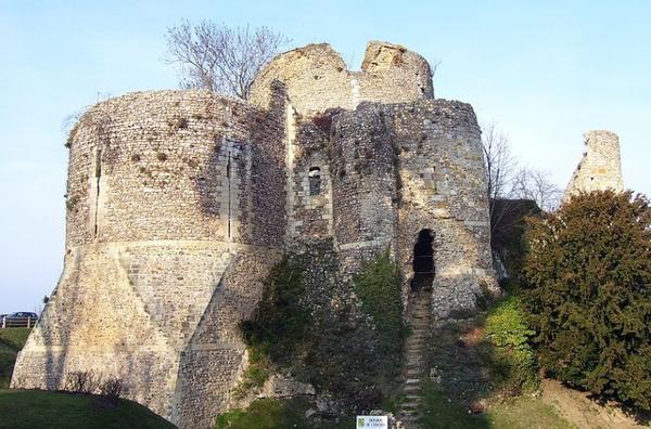 Architecture militaire du Moyen-Âge _ _ Château de Conches-en-Ouche