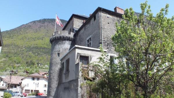 Architecture militaire du Moyen-Âge _ _ Manoir d'Aigueblanche