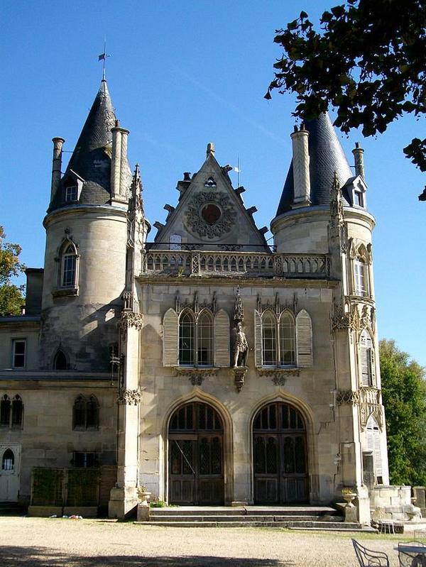 Châteaux et Palais _ _ Château de Mont-l'Évêque