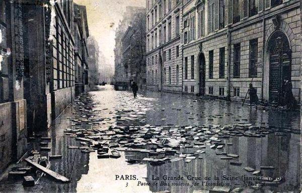 Vie pratique _ _ Les revêtements de la chaussée à Paris : Le pavage de bois