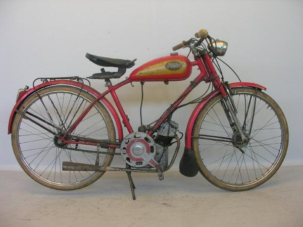 Motos et cycles du monde _ _ Ducati Cucciolo