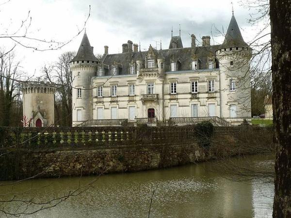 Châteaux et Palais de France _ _ Château de Nieuil