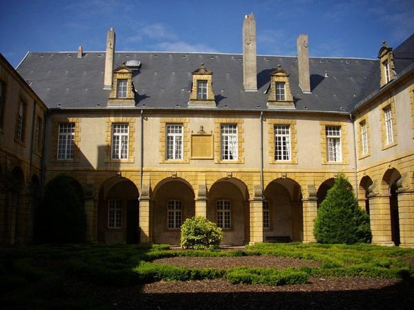 Communauté Religieuse _ _ Abbaye de Saint-Arnould