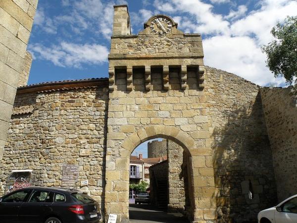 Porte fortifiée de Montpeyroux