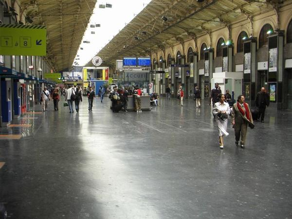 Gare de Paris-Saint-Lazare