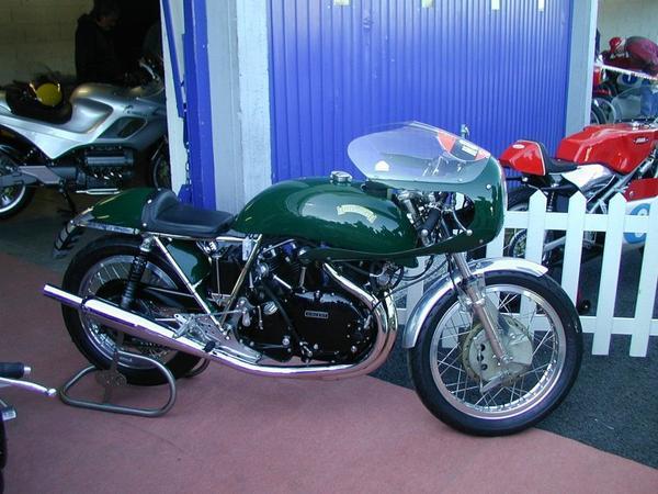 Motos et Cycles du monde _ _ Egli