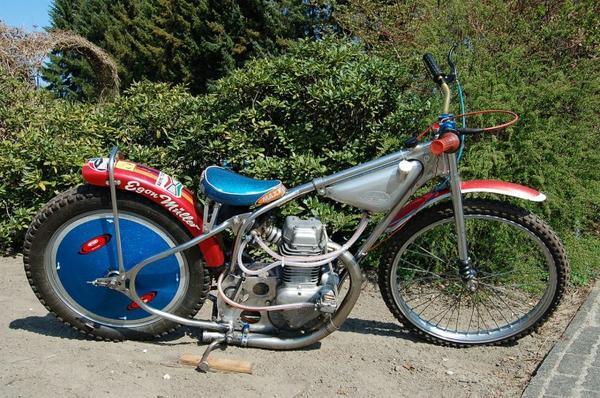 Moto et cycles du monde _ _  Jawa