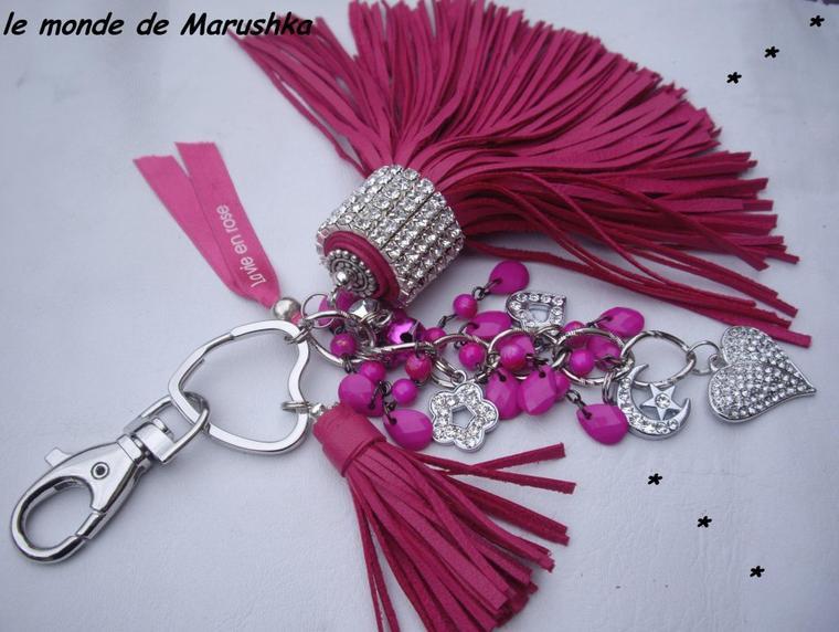 Porte Clés Bijou De Sac Pompons Cuir Rose Fushia Farandole Perles