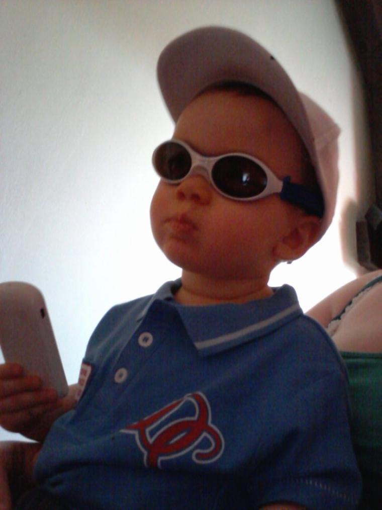 En mode bo goss avk ses lunettes jtm mon fils
