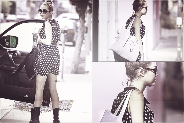 04/06/12 : Miley faisant du shopping à West Hollywood.