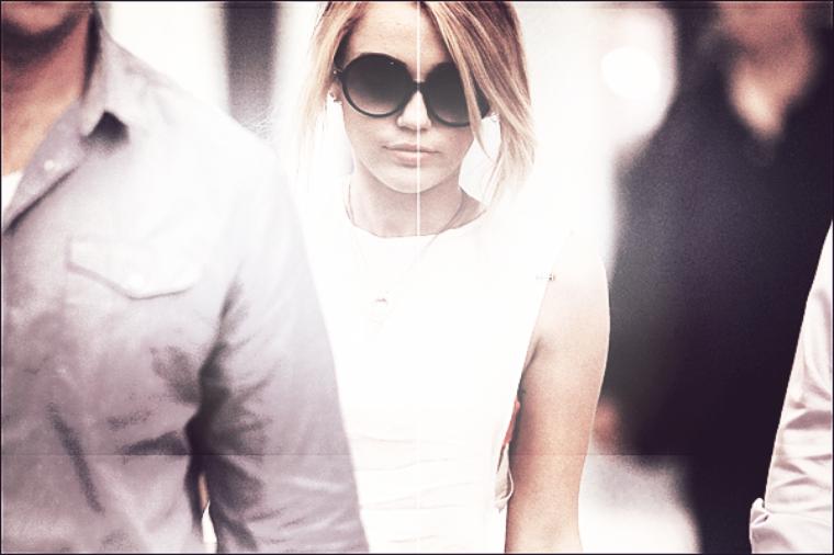 07/06/12 : Miley à l'aéroport LAX à L.A, en direction de la Nouvelle Orléans.
