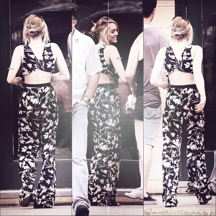 08/06/12 : Miley faisant en peu de shopping chez Trashy Diva en Nouvelle Orléans.